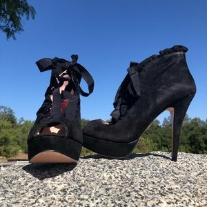 Betsey Johnson Luvey Lace-Up Booties Size 9.5